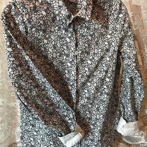 H&M WOMEN'S NAVY & WHITE FLORAL COLLARED SHIRT TOP